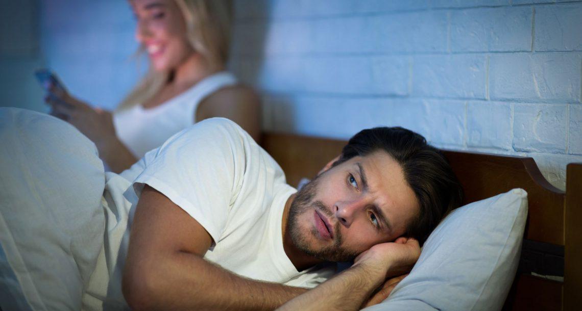 בעלים נבגדים עושים טעות גדולה כשהם עוקבים בעצמם אחרי הנשים שלהם
