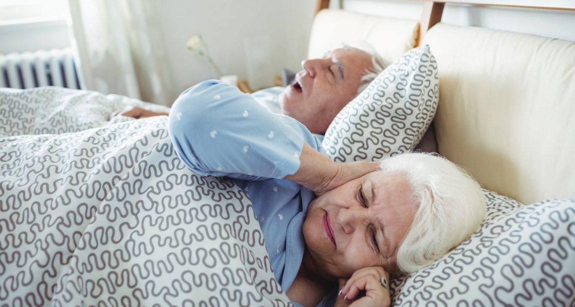 סובלים מנחירות? הגיע הזמן להתייעץ עם רופא שינה דנטלי!